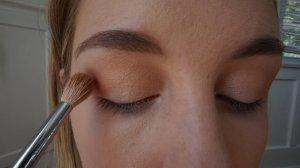 crease eyeshadow