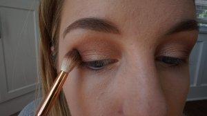 outer v darker eyeshadow