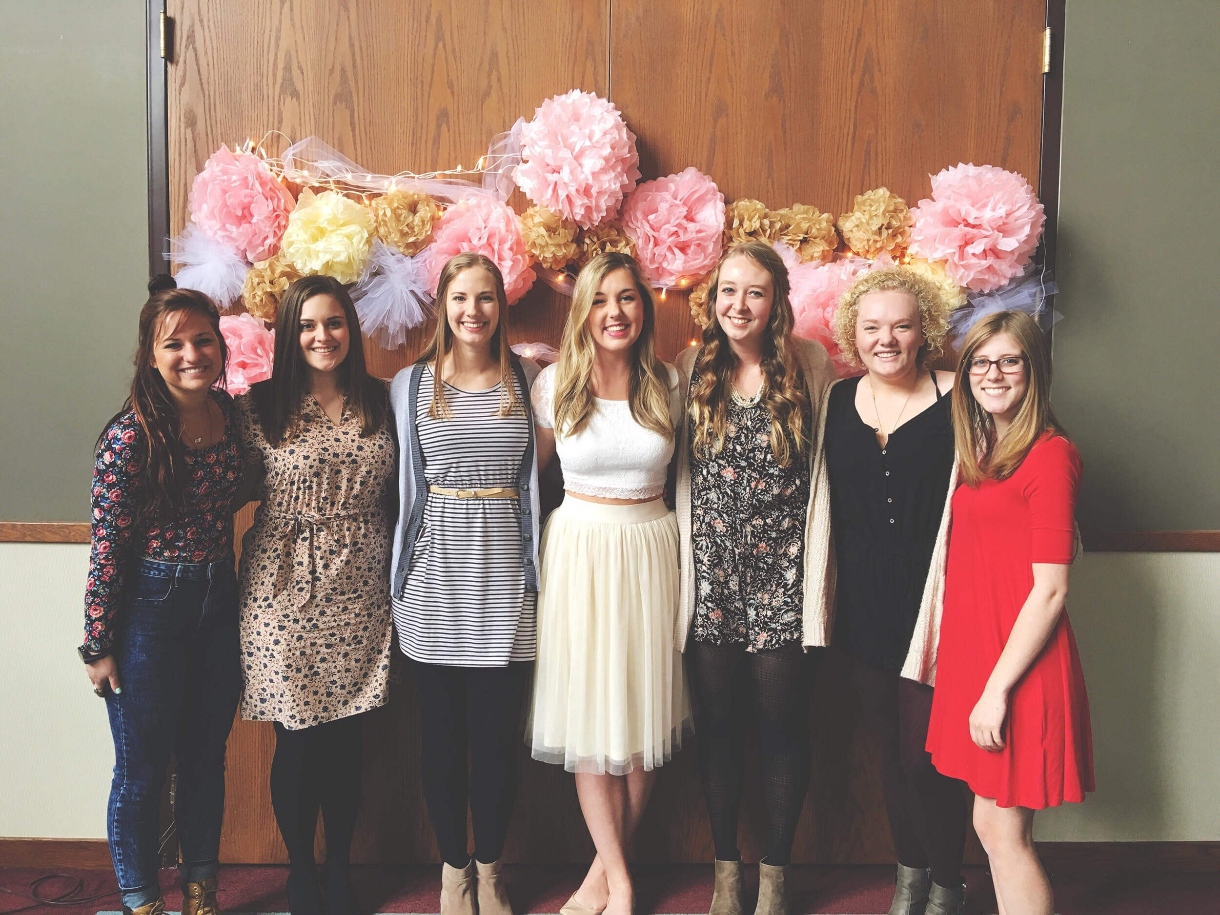 group of girls at bridal shower