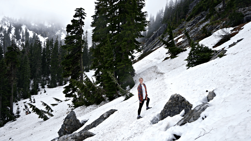 hiking through snow lake trail
