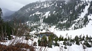 lake on snow lake trail