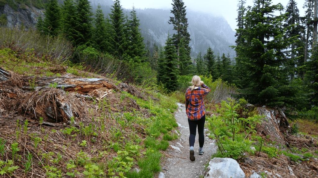 hiking on snow lake trail