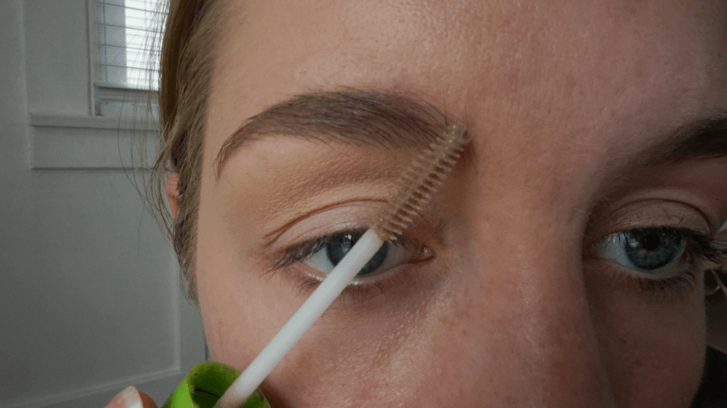 setting eyebrow
