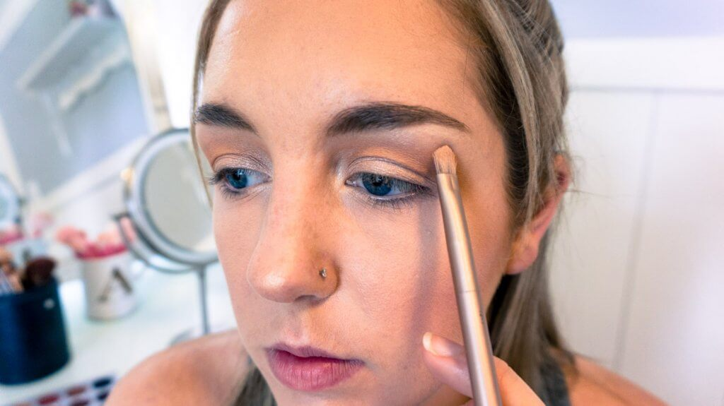 brow highlight eyeshadow