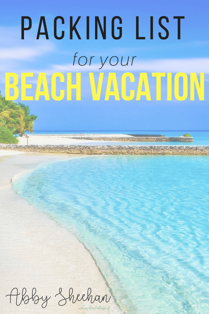 The ultimate list of necessities you need on your beach vacation, without overpacking! Click to read my detailed packing list (with photos!) #packinglist #packingtrip #vacation #vacationplanning #holidaypacking #beachvacation #beachholiday #whattopack
